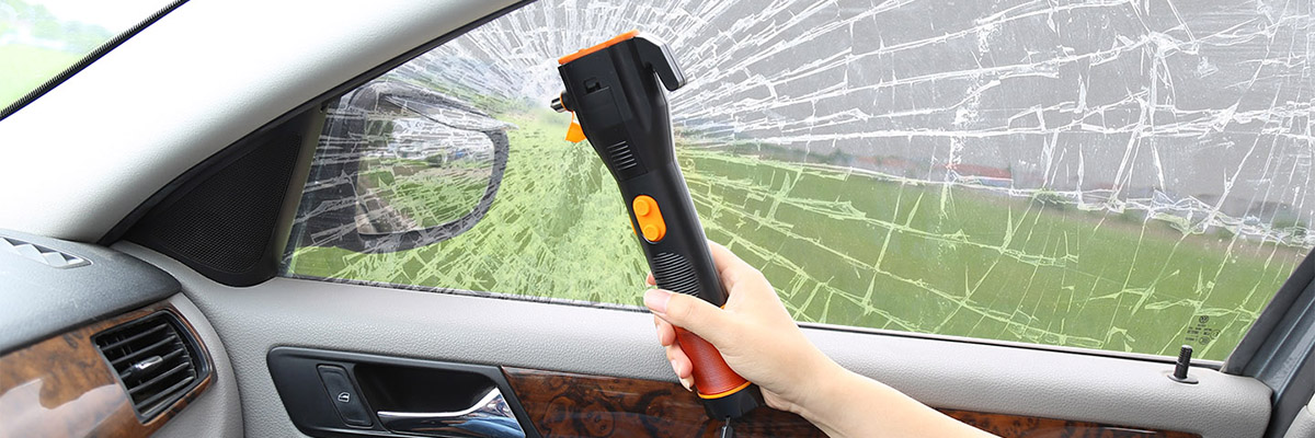 Dynamo Rechargeable Car Emergency LED Flashlight with Safety Hammer and Belt Cutter TL911